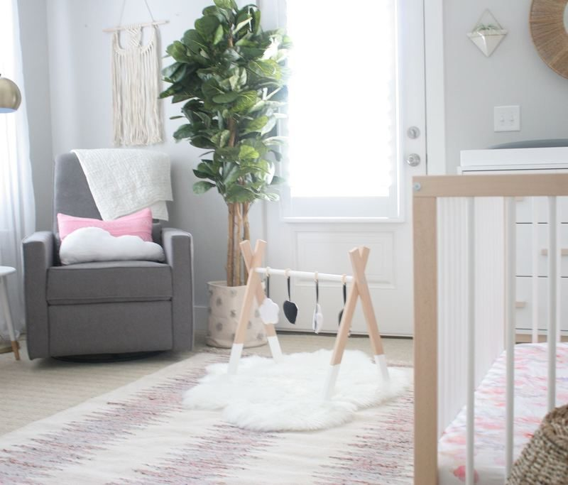 Baby Registry: Nursery & Mom-to-Be Products